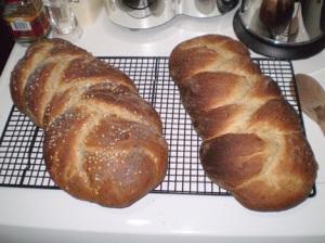 Vegan challah loaves